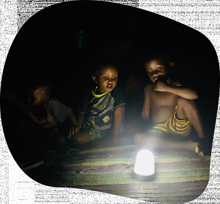 Tiwi Ndogo Licht an